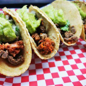 Tacos de Bistec y Chorizo